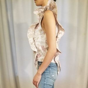 Nordstrom Leith Floral Ruffle Top, size XS